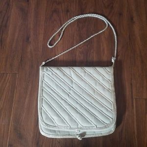 Handbags - Vintage tan white purse clutch